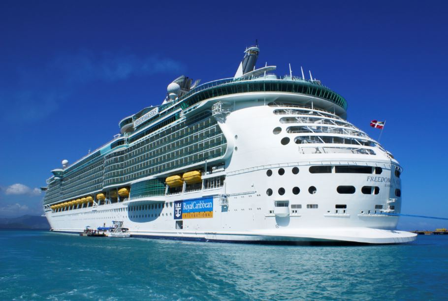Royal Caribbean To Offer Cruises For Vaccinated Passengers